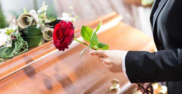 葬儀に参列で慌てない!宗教によって違うマナーとは