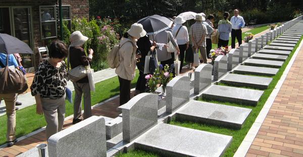 終活で「お墓」を決める。自分らしさを演出する選択