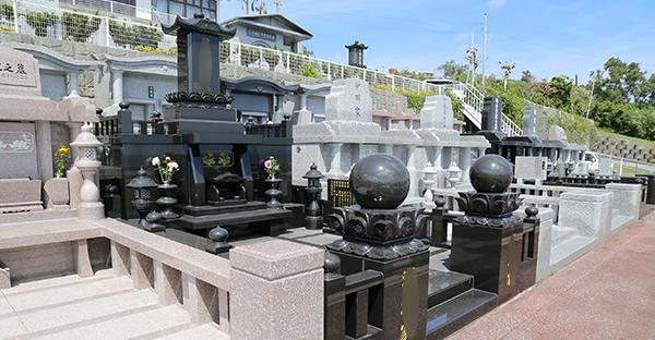 沖縄のお墓選び。法事スタイルに沿ったデザイン