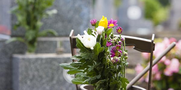 お墓参りの作法。あまり意識していないタブーとは
