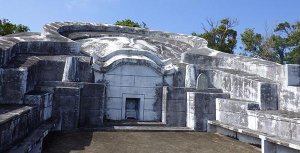 沖縄のお墓。門中墓から独立、参考にしたい5つの体験談