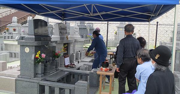 沖縄のお墓参り。初めて法要に参加する5つのマナー