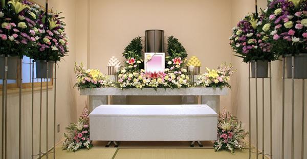葬送の違い、密葬と家族葬。選択前に理解したい5つの事