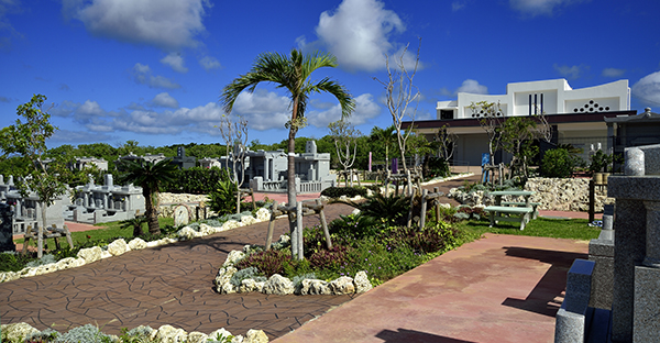 沖縄の霊園でお墓を探すには。基本の流れと5つのポイント