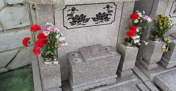 沖縄でお墓を建てて納骨。一般的な流れと5つの注意点