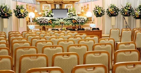 沖縄の葬儀と通夜。意味合いの違いと迷いやすいマナー