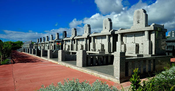 沖縄にも広がる永代供養墓。歴史から紐解く5つの特徴