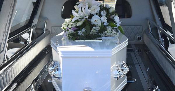 遺体の搬送に伴う手続き。病院から移動するまでの流れ