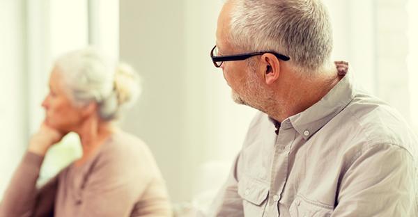 【定年後の夫婦関係】シニアに不倫問題が多発する理由とは