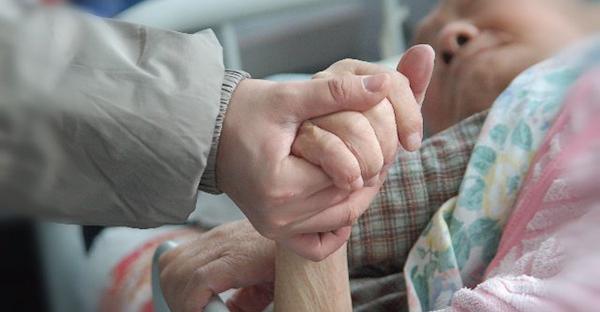 おひとりさまの老後、おひとりさまを老々介護?その教訓