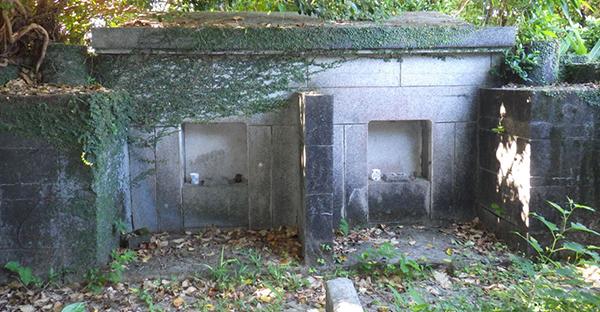 沖縄のお墓に残る「神墓」とは。現在のお墓と昔のお墓
