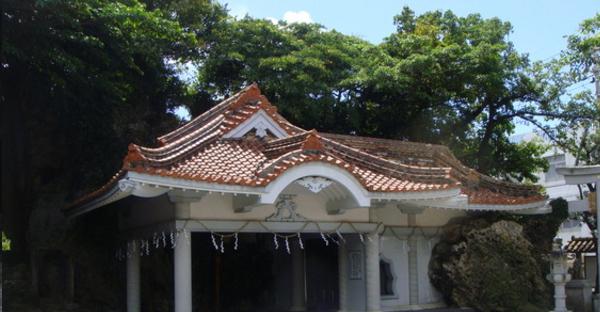 【沖縄の昔話】海神を祀る白銀堂。糸満市に伝わる由来とは