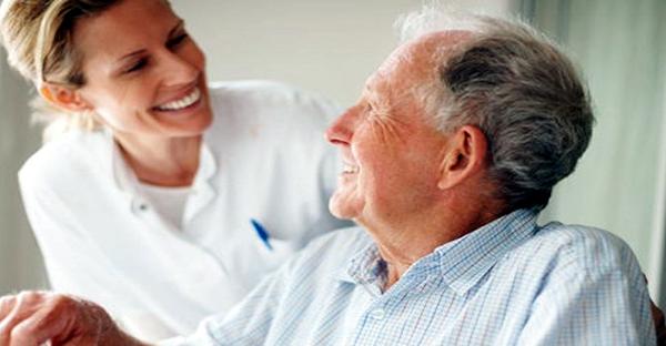 ケアマネージャーを探すには。介護生活を左右する理由とは