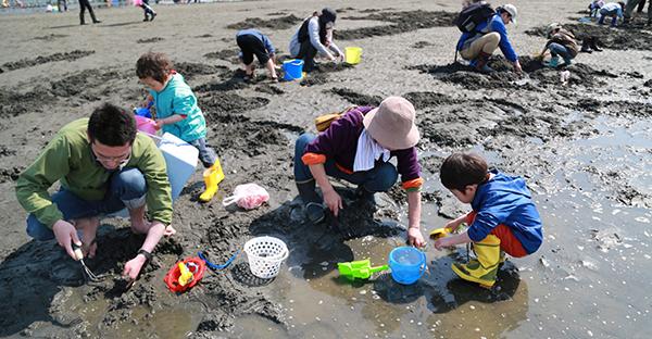 沖縄の浜下りは旧暦3月3日!女の子の健康を祈る行事とは