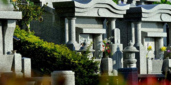 沖縄でお墓を建てるタイミング☆安心して決めたい日取り