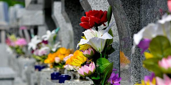 沖縄にもあるお墓の継承問題。イレギュラーな3つの事例