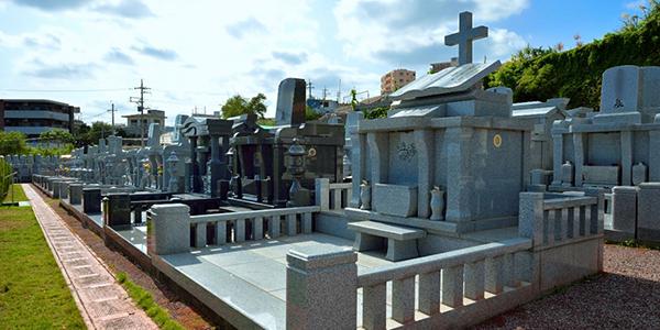 宗教によるお墓の違い。神教やキリスト教の墓石を建てる