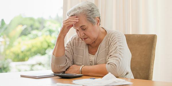 夫の死後、極貧生活に転落…。専業主婦の体験談とは