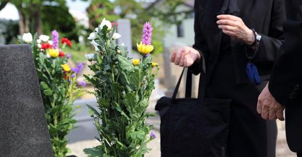 葬儀後のナンカスーコー、四十九日までの7つの焼香