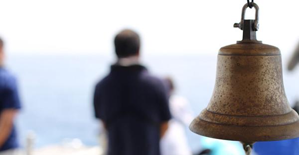 沖縄での海洋散骨セレモニー。契約前に確認する5つの事