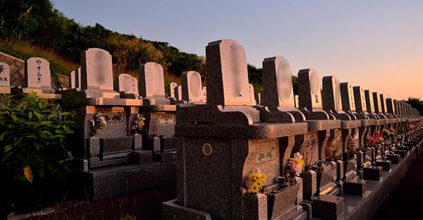 お墓の継承は友人でもできる?突然の依頼で知りたい法律